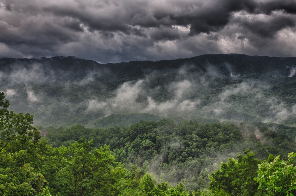 Pic 1. Smoky-Mountain-Rain-Dick-Peschke-Photo